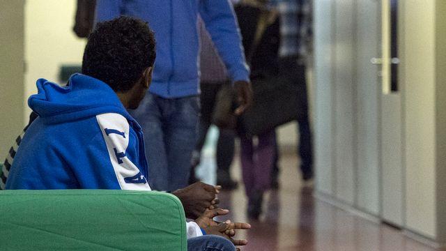 Les Erythréens représentent la majorité des requérants d'asile en Suisse. En 2014, ils ont été près de 7000 à déposer une demande. (image d'archives) [Keystone]