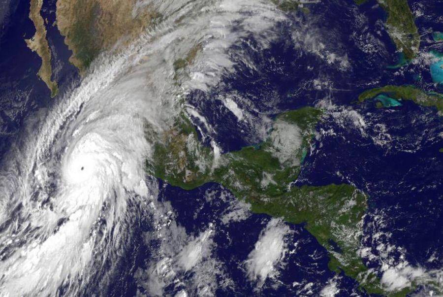 Une image satellite de l'ouragan Patricia à 10h vendredi matin en dessus du Mexique.