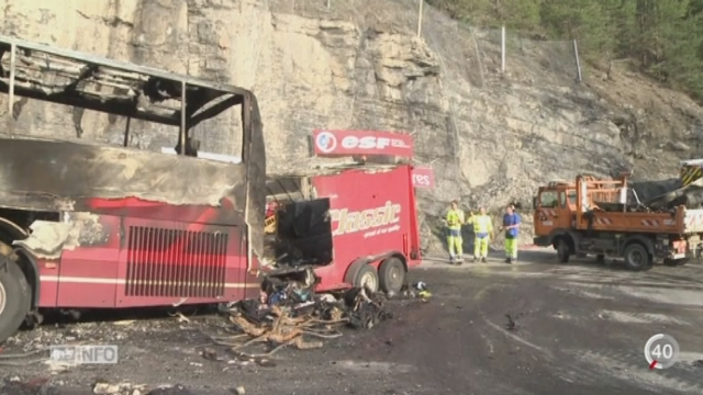 france 43 personnes sont mortes dans un accident entre un car et un camion en gironde vid o. Black Bedroom Furniture Sets. Home Design Ideas