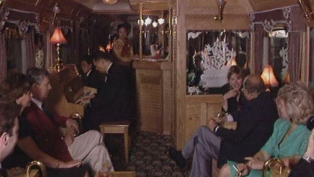 Voyage à bord du train de luxe Eastern Oriental Express [RTS]