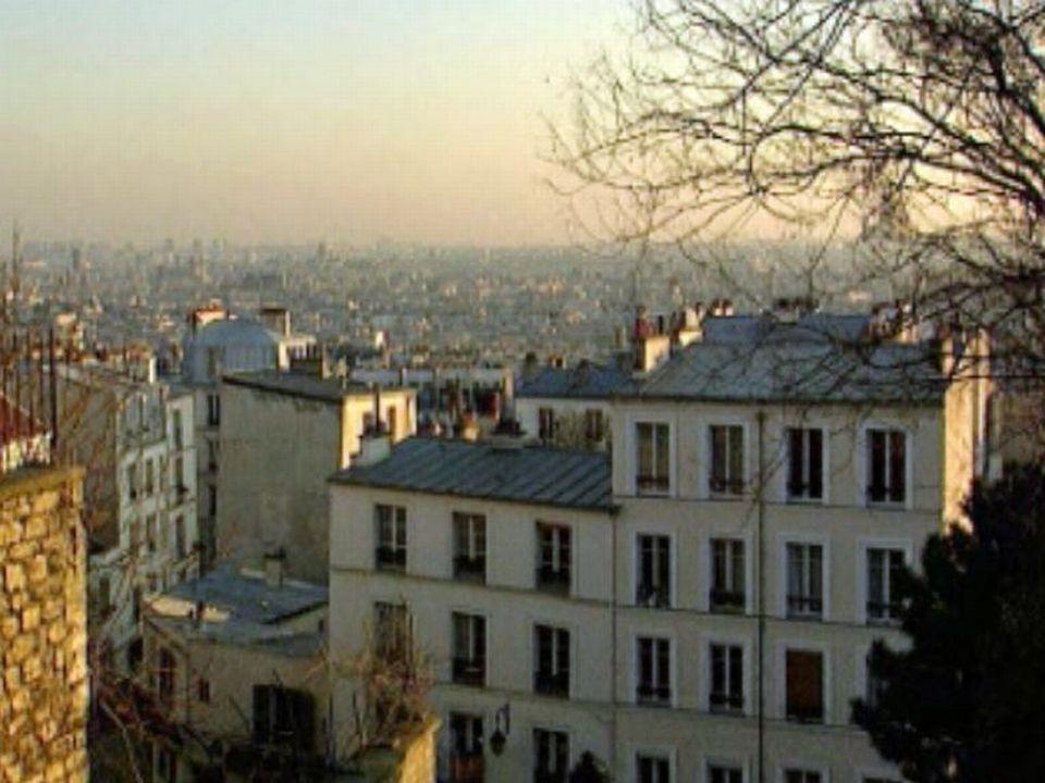 La butte Montmartre, parcours fléché pour touristes en balade.