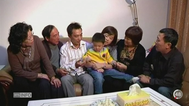 La Chine abandonne la politique de l'enfant unique [RTS]