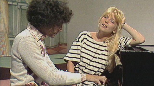 """Michel Berger et France Gall interprètent """"Si l'on pouvait parler"""" en 1974. [RTS]"""