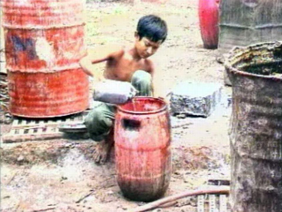 Les enfants sont enrôlés de force sur les chantiers lancés par l'Etat.