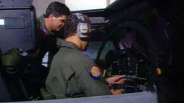 Après l'achat des FA-18, les pilotes s'entraîner aux Etats-Unis.