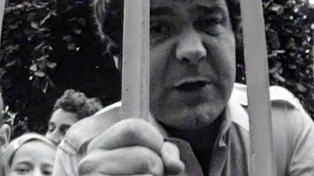 Les colonies de vacances inspirent le chanteur Pierre Perret.