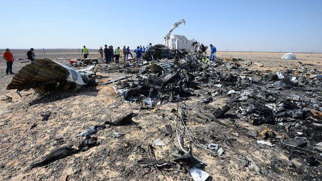 Les débris de l'avion dans le Sinaï. [Ministère russe des Situations d'urgence]