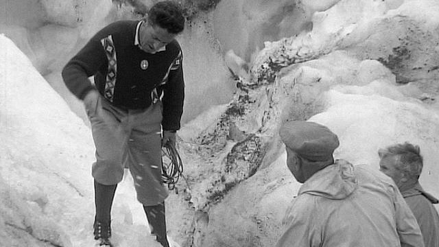 Guide de montagne en 1959. [RTS]