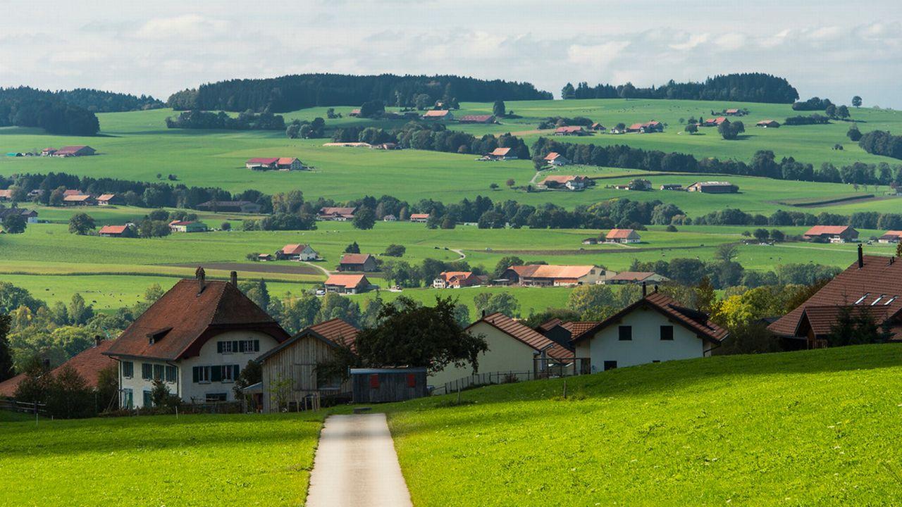 Le Conseil d'Etat veut un aménagement cantonal qui vise un développement cohérent dans le respect des nouvelles normes. [Jean-Christophe Bott - Keystone]