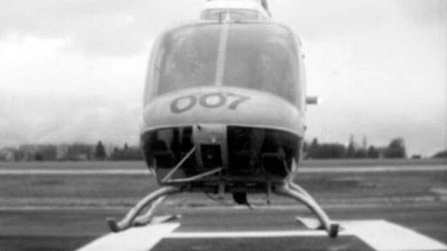 L'hélicoptère 007 dans l'Oberland bernois. [RTS]