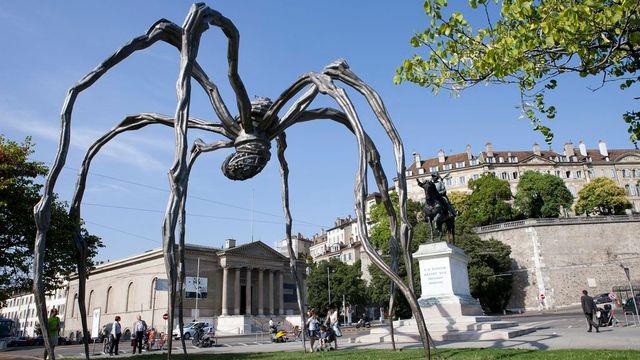 """Une autre version de la fameuse araignée, intitulée """"Maman"""", avait été exposée sur la place Neuve à Genève en 2011. [Salvatore Di Nolfi - KEYSTONE]"""