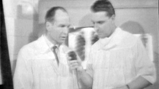 Images choc d'un opération du poumon pour lutter contre la tuberculose.