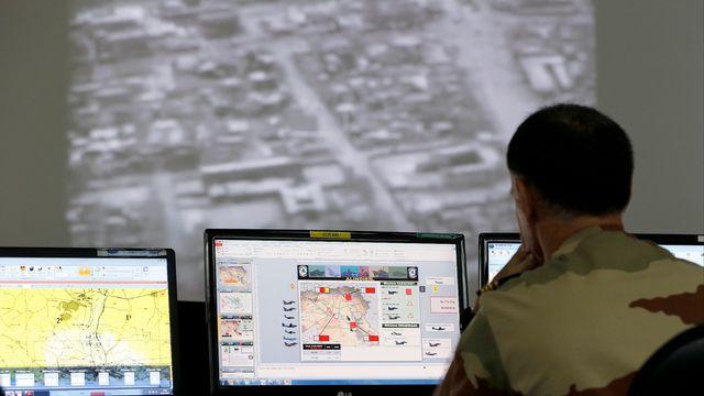 Le QG de la base françaises qui coordonne les frappes à Raqqa. [Karim Sahib - AFP]