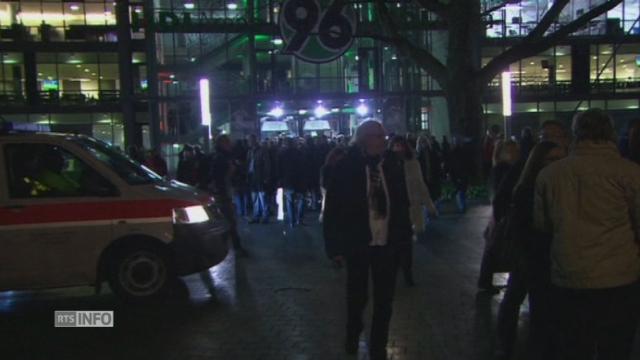 Images de l'évacuation de la HDI Arena de Hanovre [RTS]