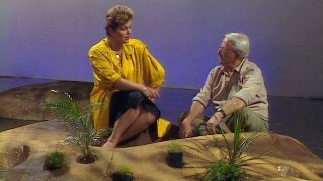 Catherine Noyer et le géophysicien Jacques Labeyrie sur le plateau de l'émission Télescope, 1986. [RTS]