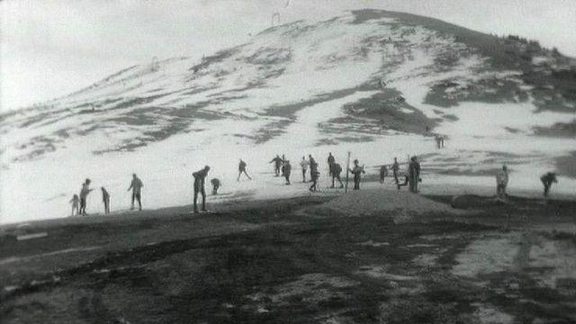 La neige fait cruellement défaut en cet hiver 1964. [RTS]