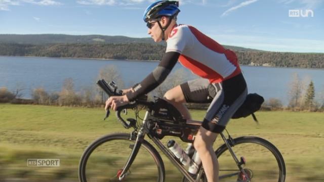 Jonas Goy s'est lancé le défi de faire le tour du monde à vélo dans un temps record [RTS]