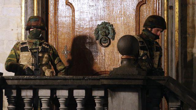 Une importante opération policière était en cours dimanche soir à Bruxelles. [Yves Herman - Reuters]
