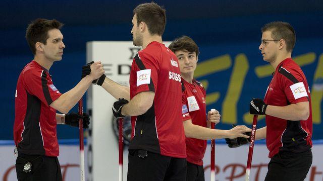 L'équipe de Suisse masculine n'avait pas le droit à l'erreur face à la Suède. [Andy Wong - Keystone]