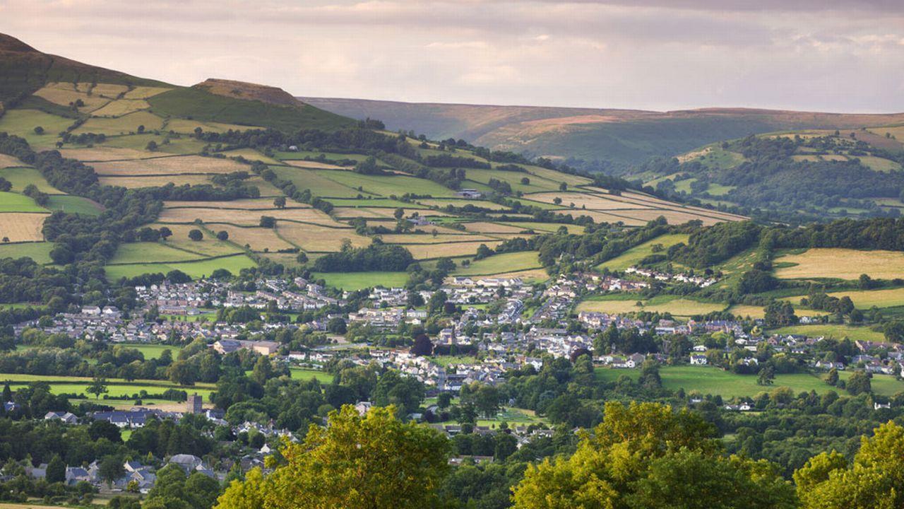 Le village gallois de Crickhowell, 2500 habitants. [Adam Burton - Robert Harding/AFP]