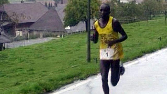 L'aisance des coureurs africains s'impose parmi l'élite.