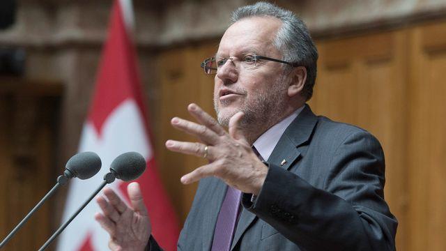Le conseiller national socialiste neuchâtelois Jacques-André Maire a dû changer de commission. [Lukas Lehmann - Keystone]