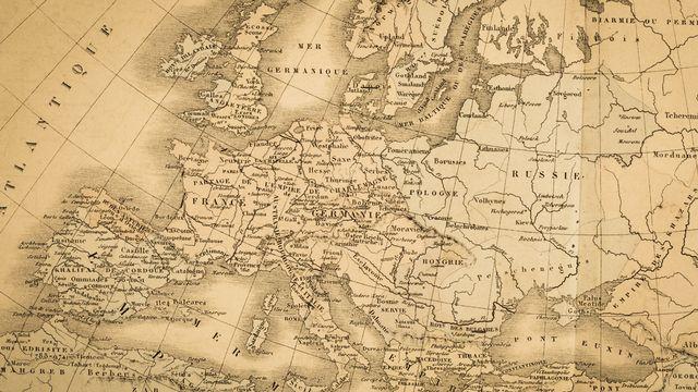 Ancienne carte de l'Europe [moonrise - Fotolia]