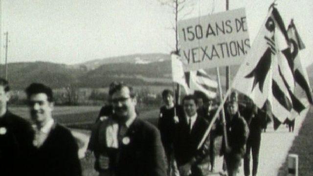 Manifestation de partisans de l'autonomie jurassienne, années 60. [RTS]