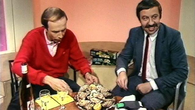 Monsieur Gilbert présente son couteau électrique ouvreur d'huîtres, 1985. [RTS]