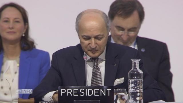 Laurent Fabius au bord des larmes à la COP21 [RTS]