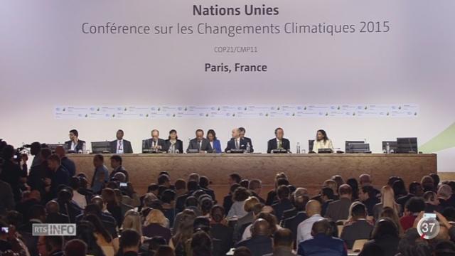COP21: les négociateurs sont arrivés à un texte définitif sur l'accord de Paris [RTS]