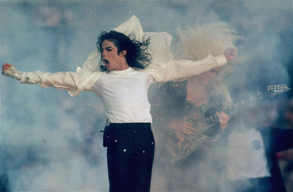 Michael Jackson lors de la mi-temps du Super Bowl à Los Angeles en 1993.
