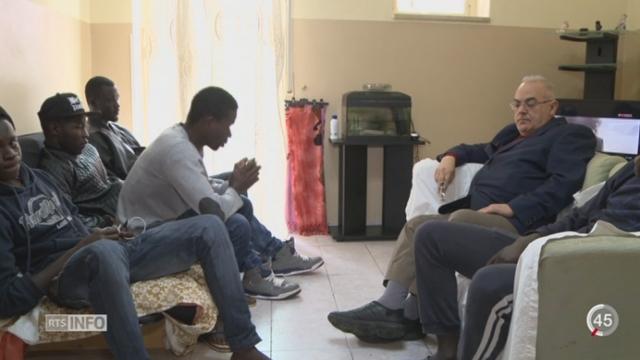 Les migrants arrivent encore en Sicile malgré une légère baisse d'arrivée [RTS]