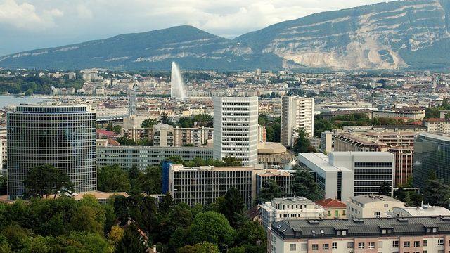"""Selon l'étude de l'EPFL, les Genevois ont un profil de mobilité """"compactophile"""", tourné vers la ville. [Martial Trezzini]"""