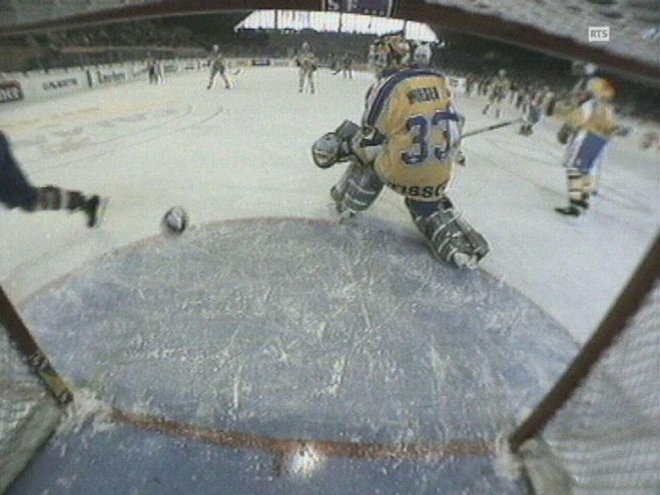 Gardien du HC Davos à la Coupe Spengler en 1995. [RTS]