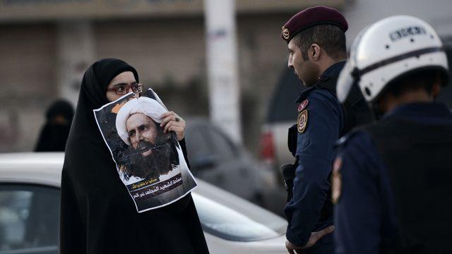 Contexte de tensions au Bahreïn le 4 janvier 2016. Alors que le gouvernement coupe les ponts avec l'Iran, des manifestations ont lieu après l'exécution d'un dignitaire chiite en Arabie saoudite. [MOHAMMED AL-SHAIKH  - AFP]