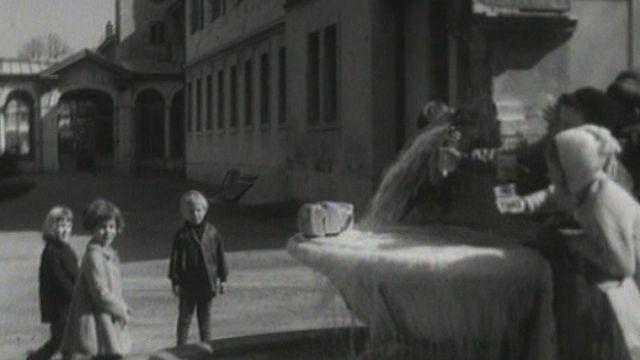 Fontaine du Grand Hôtel des Bains à Yverdon. [RTS]