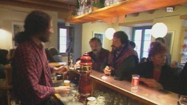 La buvette de la taverne du centre Espace Noir à St-Imier. [RTS]
