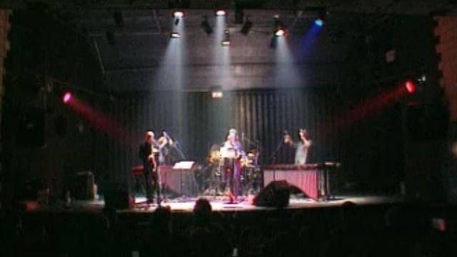 Un concert à la Case à Chocs de Neuchâtel. [RTS]