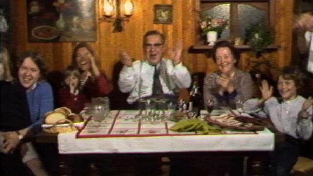 Joie à l'annonce de la victoire de François Mitterrand, 1981. [RTS]