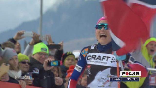 9km poursuite dames: Therese Johaug (NOR) s'impose devant ces compatriots Ingvild Oestberg 2e et Heidi Weng 3e [RTS]