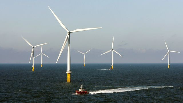 Parc éolien en pleine mer, au Dannemark. [Bob Strong - Reuters]
