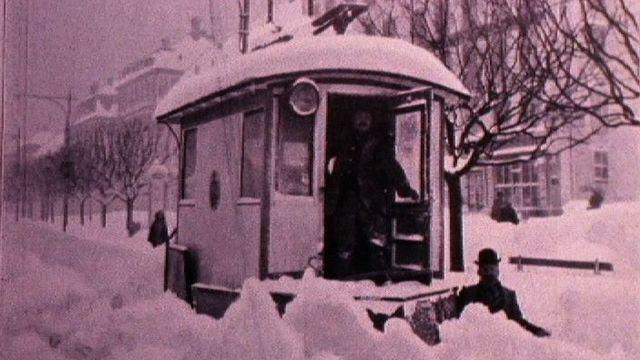 Les rigoureux hivers d'antan à La Chaux-de-Fonds. [RTS]