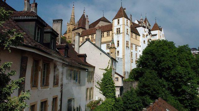 Neuchâtel et le Jura sont les seuls cantons à accorder le droit de vote au niveau cantonal. [Sandro Campardo - Keystone]