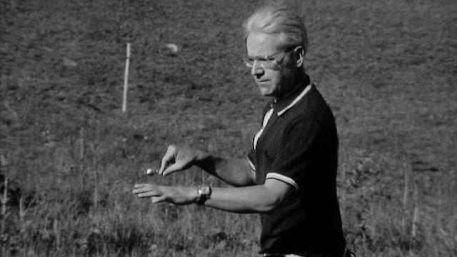 Joseph Seiler, radiesthésiste, 1971. [RTS]