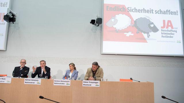 Gregor Rutz, Adrian Amstutz, Barbara Steinemann et Oskar Freysinger. [Lukas Lehmann - Keystone]