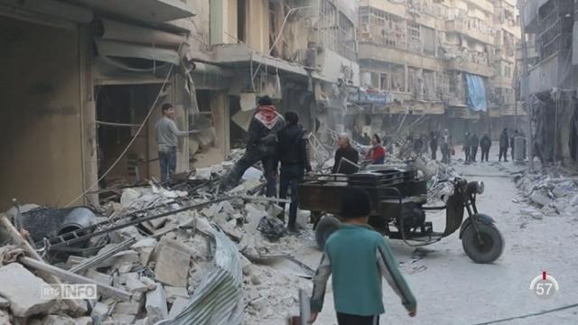 Syrie: des milliers de syriens fuient l'offensive aérienne russe sur la ville d'Alep [RTS]