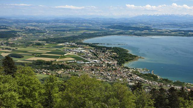 Vue sur la région de La Tène au bord du lac de Neuchâtel. [Gaëtan Bally - Keystone]