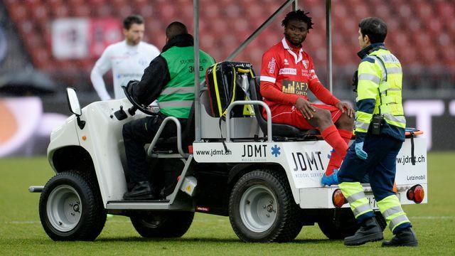 Xavier Kouassi avait dû quitter ses partenaires à la 57e minute, dimanche au Letzigrund. [Nick Soland - Keystone]