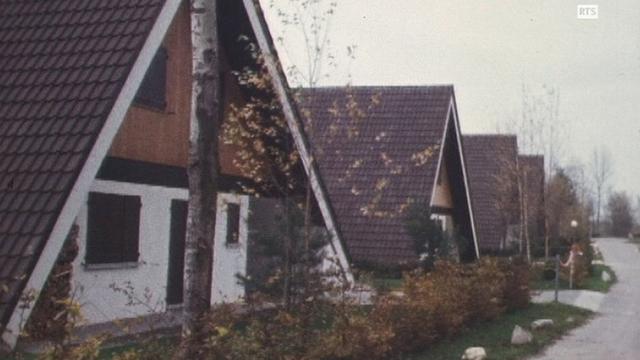 """Les """"Pointus"""" du centre de vacances de Cheybres, 1971. [RTS]"""
